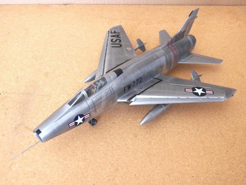 North American F-100A, première série. F-100a17