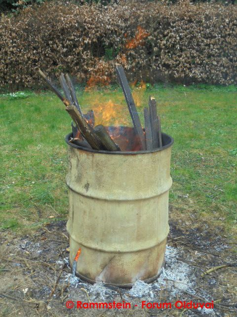 [Bidouille] Fabrication et utilisation d'un incinérateur de jardin Dsc00610