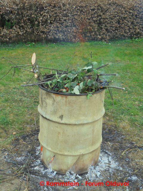 [Bidouille] Fabrication et utilisation d'un incinérateur de jardin Dsc00611
