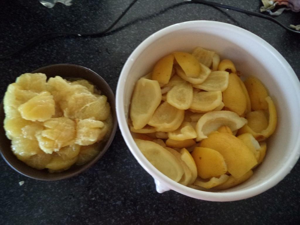 [Conservation] Citrons confits dans l'huile Dsc04411