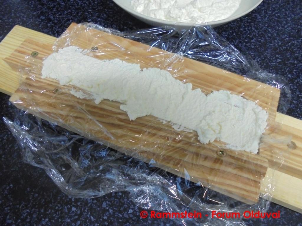 [Bidouille] Fabrication de bioplastique 100% organique (et de fromage) à base de caséine Dsc05023