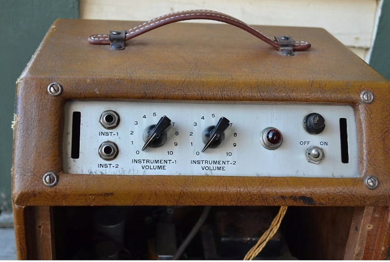 """40′s Gretsch """"Artist"""" Tube Amp 0010"""