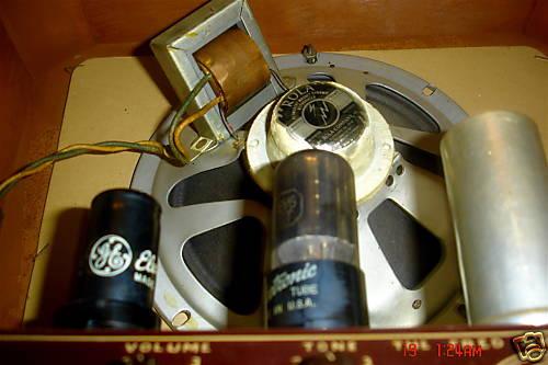 GRETSCH 6151 ELECTROMATIC STANDARD AMPLIFIER 1950. 29024010