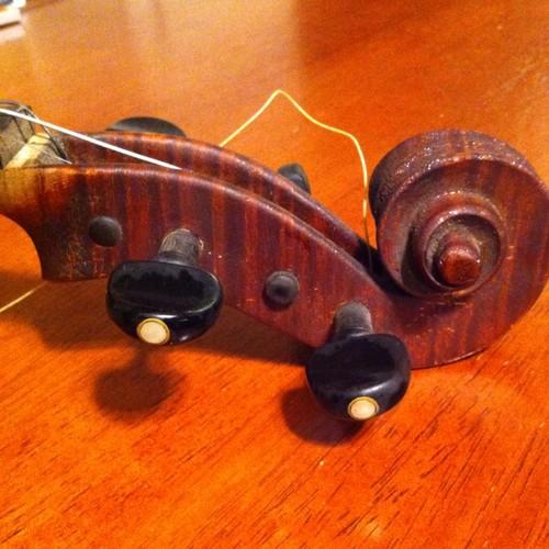 W. Wilkanowski  & gretsch.(Violin and guitar) Kgrhqj12