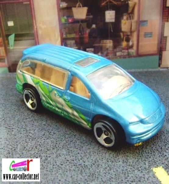 Dodge Caravan S3 - Devant une boutique Ob_d6010