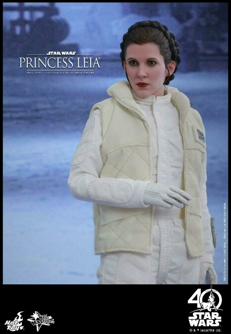Star Wars: The ESB 1/6th scale Princess Leia Collectible Fig 14939010