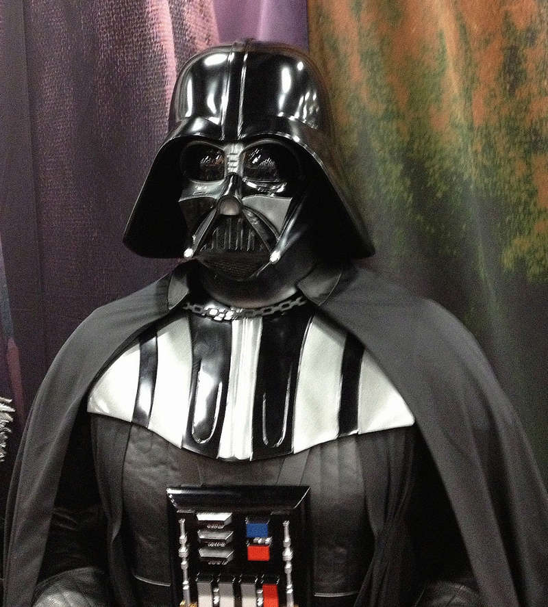 Sideshow - Darth Vader Life-Size Figure 60qnq10