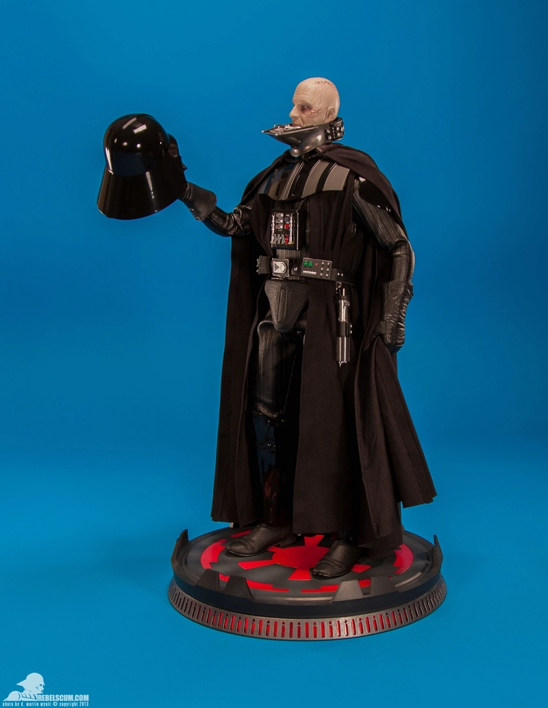Sideshow - Darth Vader Deluxe Sixth Scale Figure  Darth-35