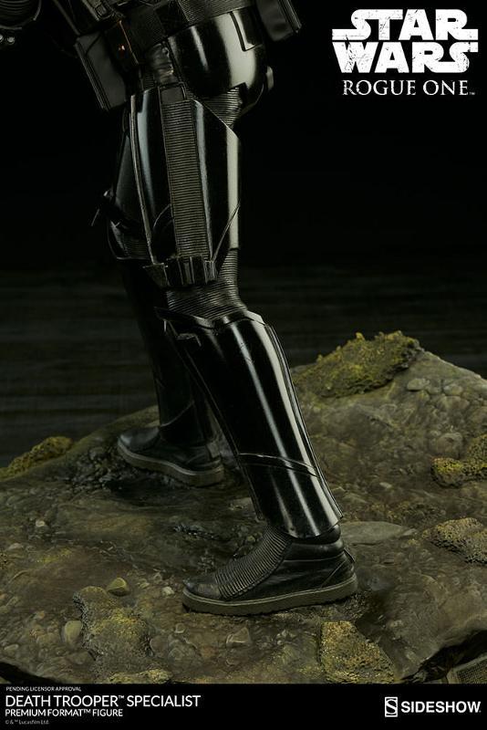 Sideshow - Death Trooper Specialist Premium Format Figure Death_75