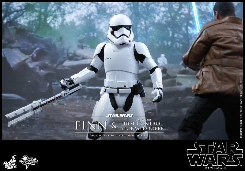 Star Wars: TFA Finn & First Order Riot Control Stormtrooper Finn-s14