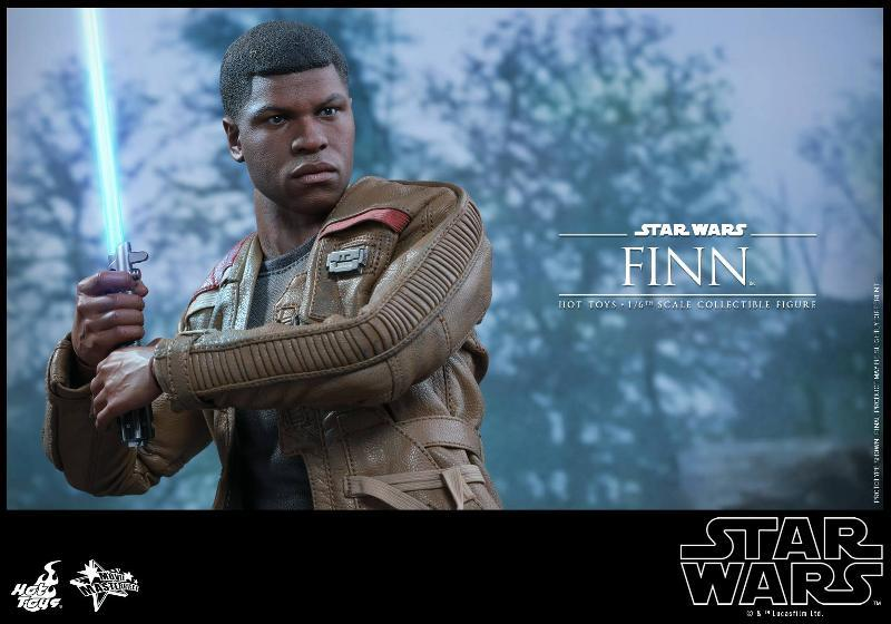 Hot Toys Star Wars: TFA 1/6th scale Finn Collectible Figure Finn0610