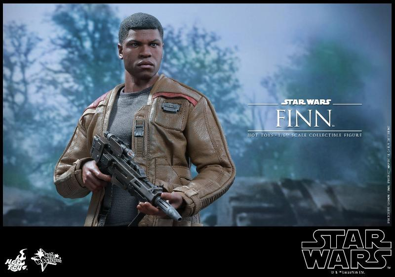 Hot Toys Star Wars: TFA 1/6th scale Finn Collectible Figure Finn0810