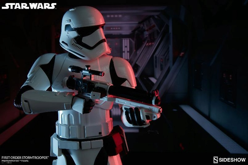 Sideshow - First Order Stormtrooper Premium Format Figure Firsto14
