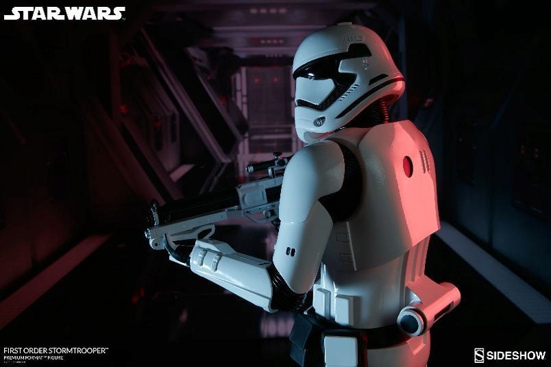 Sideshow - First Order Stormtrooper Premium Format Figure Firsto15