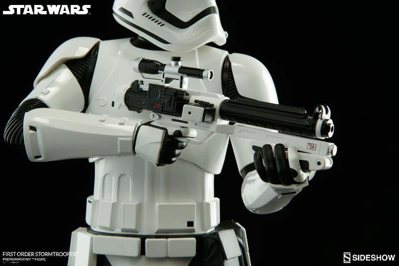 Sideshow - First Order Stormtrooper Premium Format Figure Firsto16