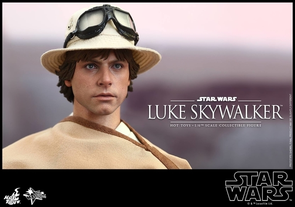 Hot Toys Star Wars EP4 1/6th Luke Skywalker Figure  Hot_to21