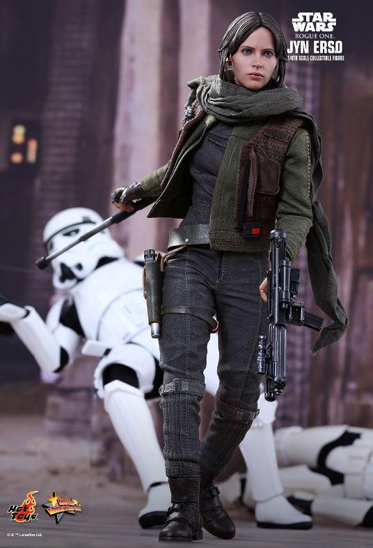 Hot Toys Jyn Erso Standard And Deluxe Version 6th Scale Fig. Jyn_1210
