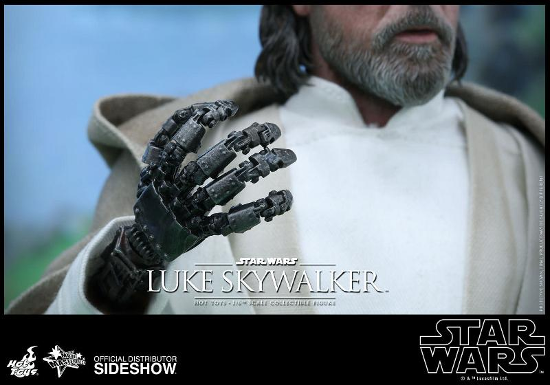 Hot Toys Star Wars - TFA Luke Skywalker 1/6th Scale Figure  Luke_t18