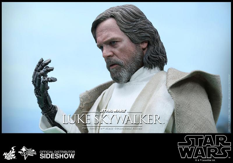 Hot Toys Star Wars - TFA Luke Skywalker 1/6th Scale Figure  Luke_t21