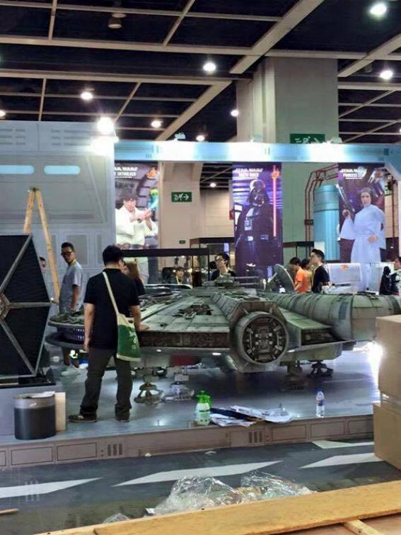 Hot Toys Star Wars 1/6 scale Millenium Falcon Millen15