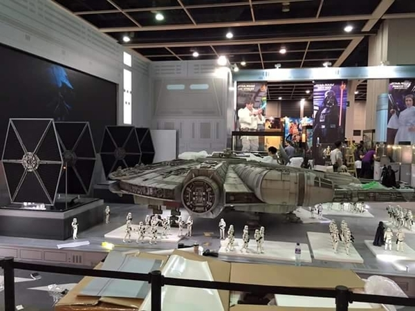 Hot Toys Star Wars 1/6 scale Millenium Falcon Millen18