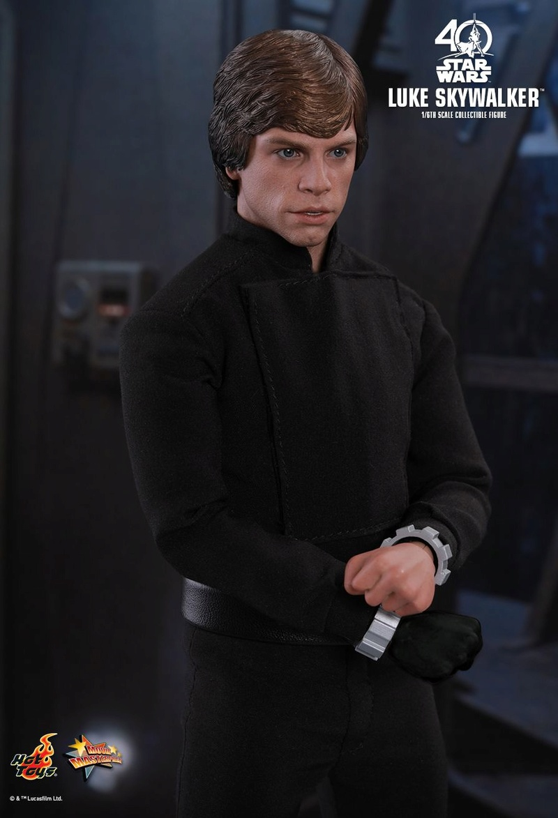 Hot Toys Star Wars: ROTJ - 1/6th scale Luke Skywalker Pd149913