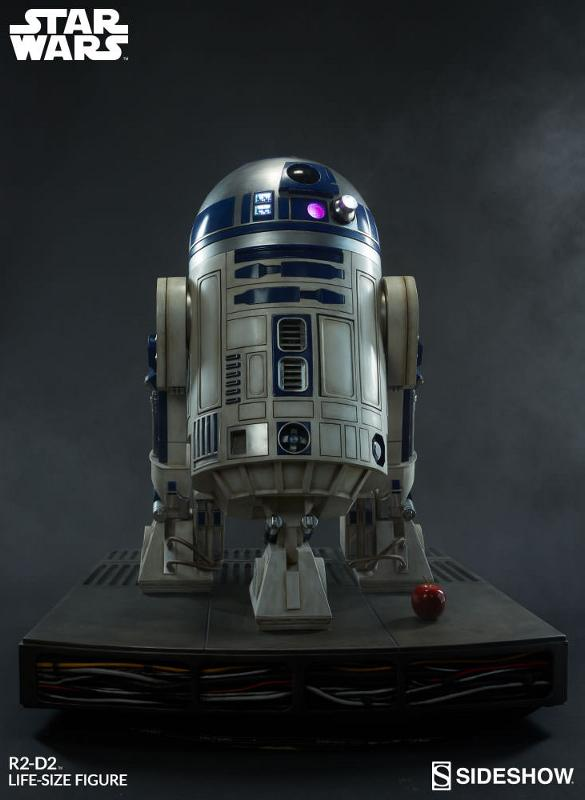 Sideshow Collectibles - R2-D2 Life-Size Figure R2d2_l12