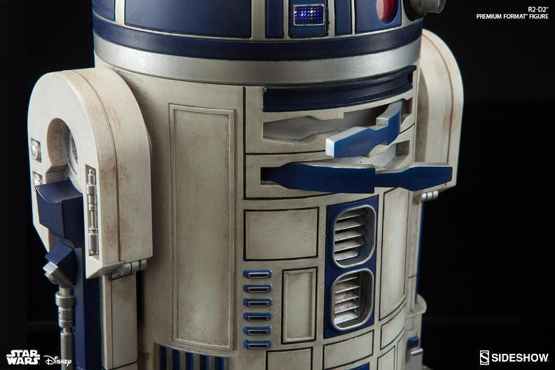 Sideshow Collectibles C-3PO & R2-D2 Premium Format Figures R2d2c323