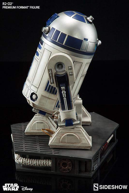 Sideshow Collectibles C-3PO & R2-D2 Premium Format Figures R2d2c326