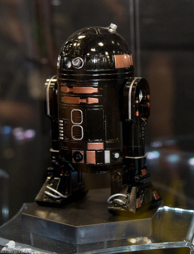 Sideshow - R2-Q5 Imperial Astromech Droid Sixth Scale Figure Sid_r210