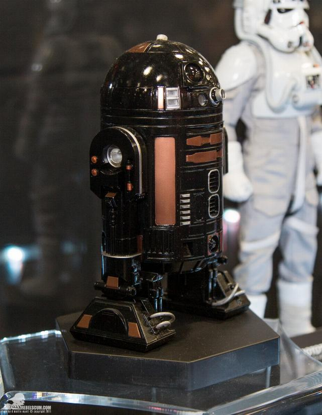 Sideshow - R2-Q5 Imperial Astromech Droid Sixth Scale Figure Sid_r212