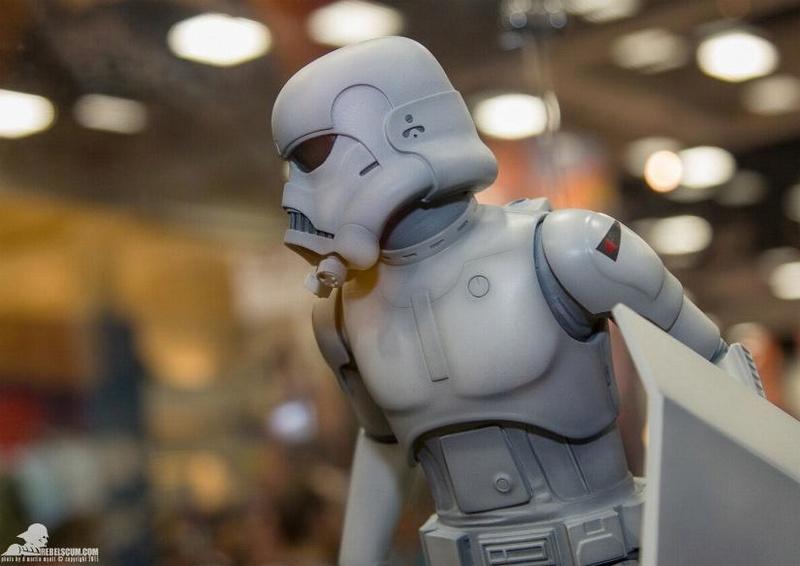 Sideshow Stormtrooper Statue Ralph McQuarrie Artist Series  Sid_st13
