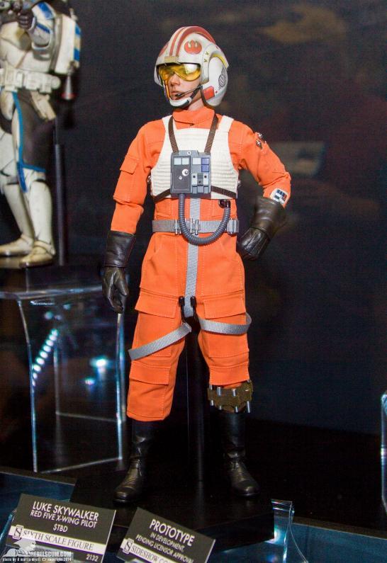 Luke Skywalker: Red Five X-Wing Pilot Sixth Scale Figure Sidesh35