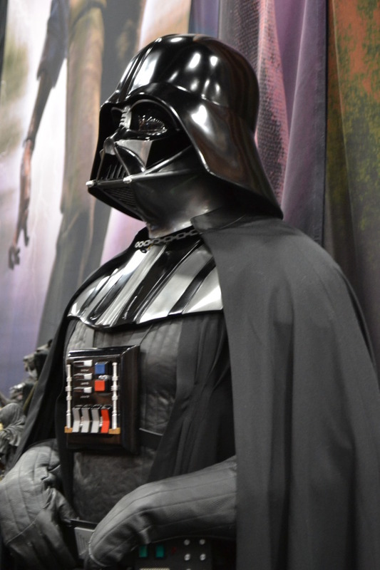 Sideshow - Darth Vader Life-Size Figure Sidvad14