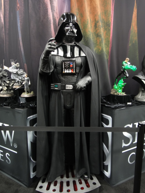 Sideshow - Darth Vader Life-Size Figure Sidvad15