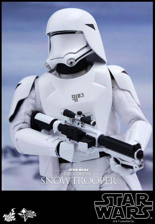 Hot Toys Star Wars: TFA 1/6th scale First Order Snowtrooper Snow_f10