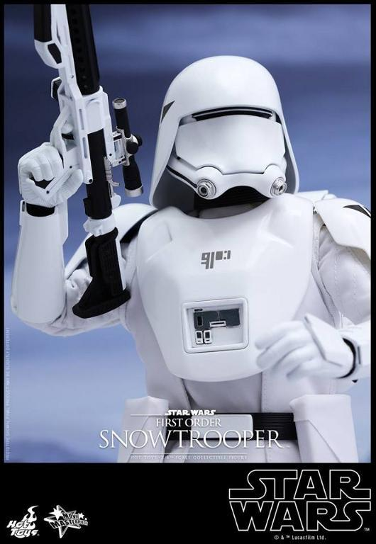Hot Toys Star Wars: TFA 1/6th scale First Order Snowtrooper Snow_f11