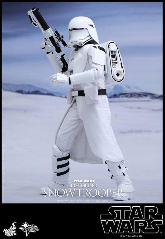 Hot Toys Star Wars: TFA 1/6th scale First Order Snowtrooper Snow_f14