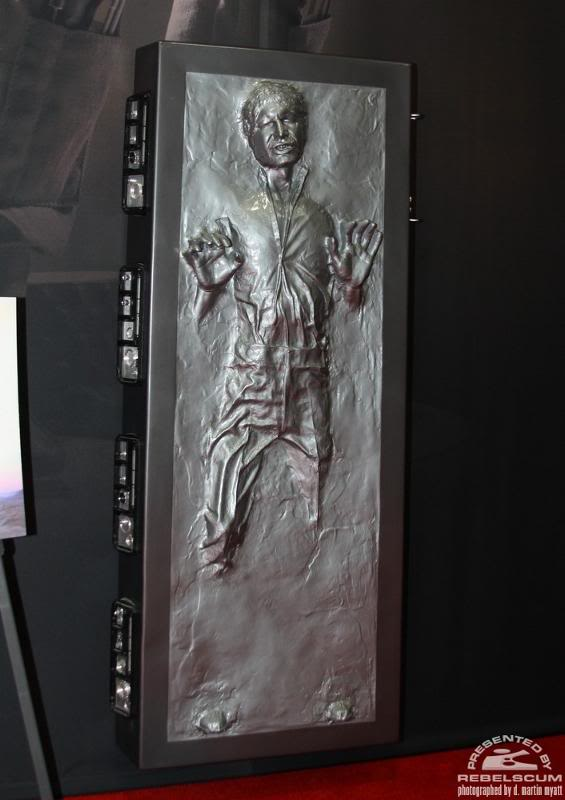 Sideshow - Han solo in Carbonite - Life Size Figure Solo0110