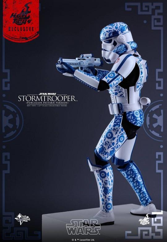 Hot Toys Star Wars 1/6 scale Stromtrooper Porcelain version Storm_19