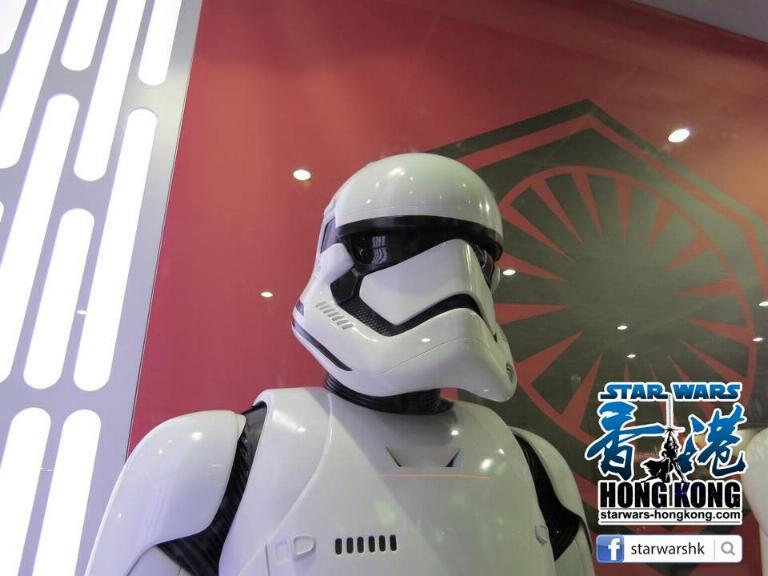 Hot Toys Star Wars First Order Stromtrooper Storm_31