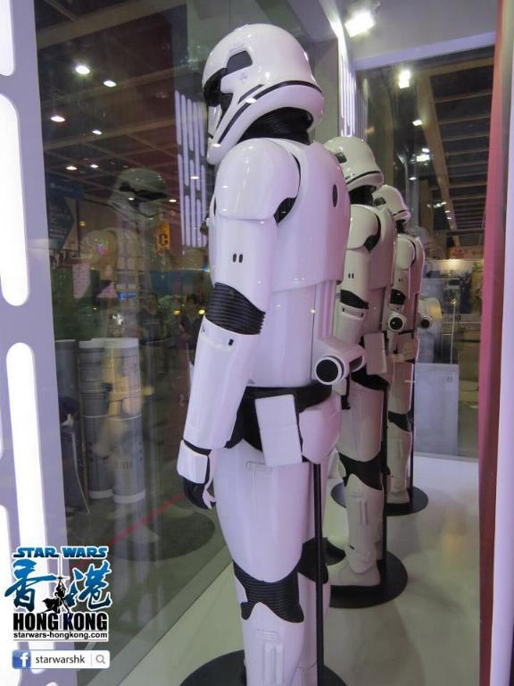 Hot Toys Star Wars First Order Stromtrooper Storm_36
