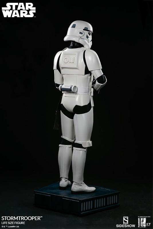 Sideshow Collectibles - Stormtrooper Life-Size Figure Storm_43