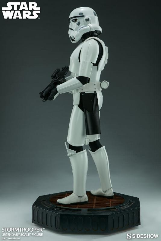 Sideshow Collectibles - Stormtrooper Legendary Scale Figure Stormt44