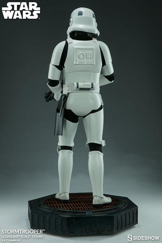 Sideshow Collectibles - Stormtrooper Legendary Scale Figure Stormt45