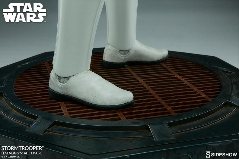 Sideshow Collectibles - Stormtrooper Legendary Scale Figure Stormt55