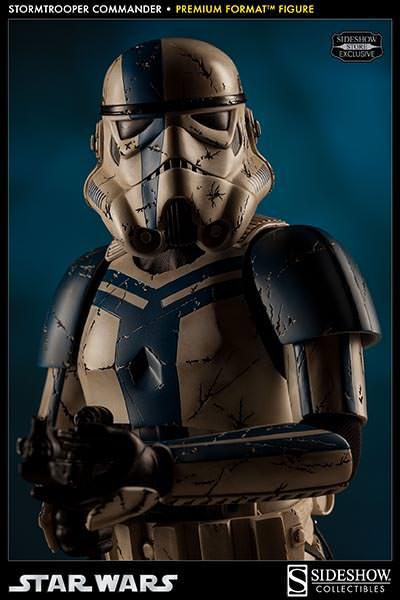 Sideshow - Stormtrooper Commander Premium Format  Stromc10