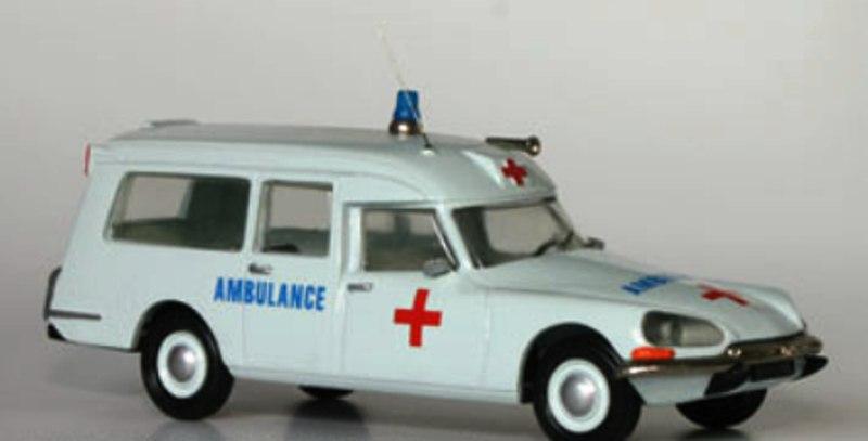 """Citroën miniatures > """"Ambulances, transports de blessés et assistance d'urgence aux victimes"""" Dsbram10"""