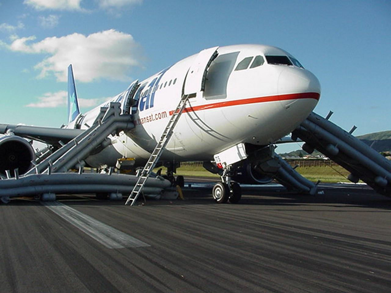 """[08/08/2017] Airbus A330-200 (C-GITS) Air Transat aka """"Planeur des Açores"""" Mvc-0011"""