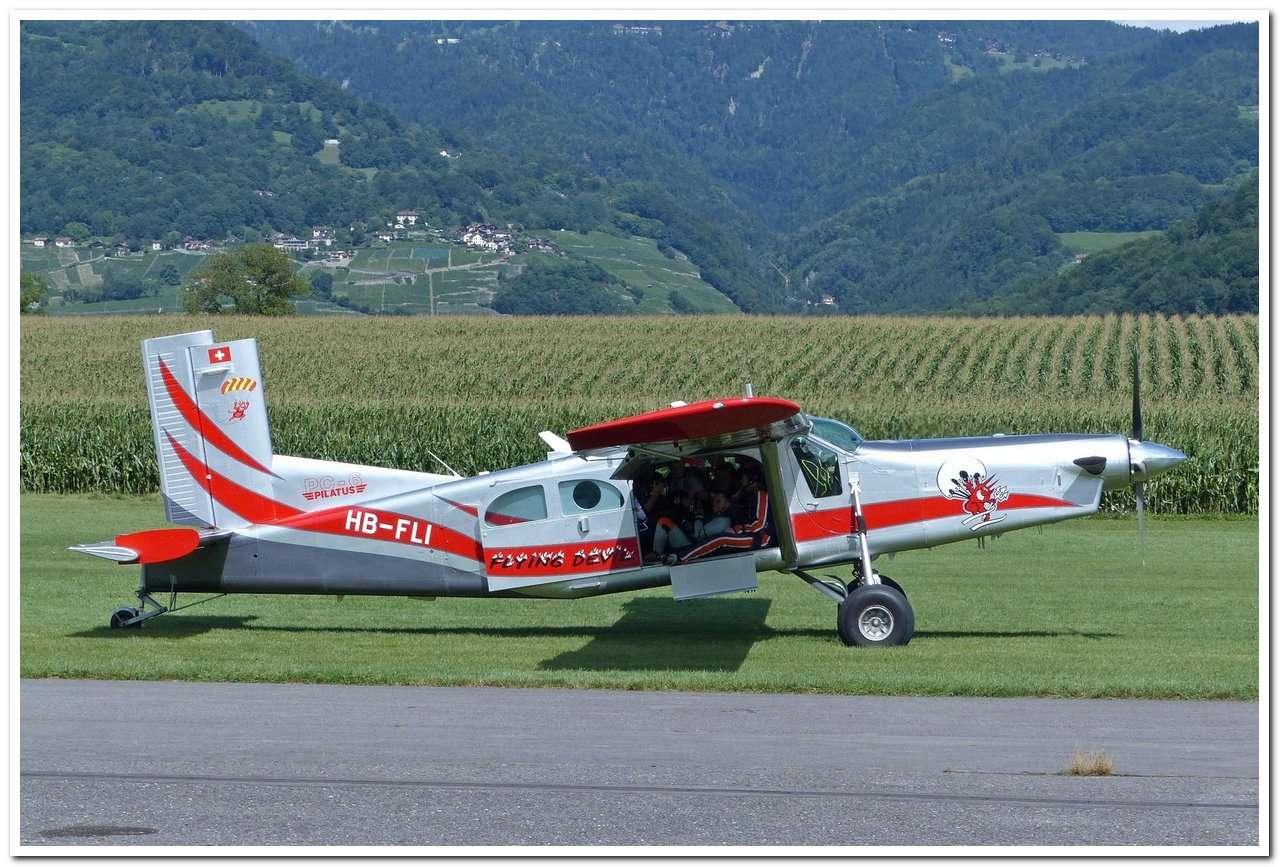 [LSGB] Aérodrome de Bex    P1190411